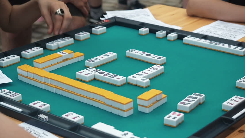 Rent Mahjong Set